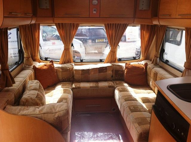Bailey Pageant Burgundy 2008 4 Berth Touring Caravan For