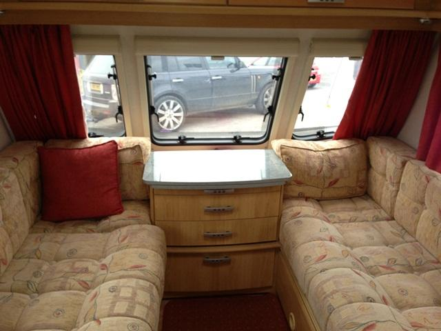 Lunar Quasar 615 2008 5 Berth Touring Caravan For Sale