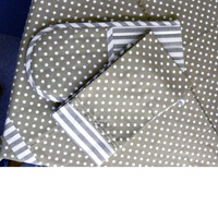 Polka Dot And Stripy Oven Gloves And 2 Tea Towels