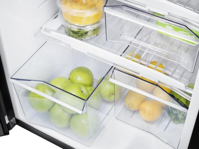 The split vegetable bin in the Thetford N3000 series fridges is designed with utmost convenience and style in mind.