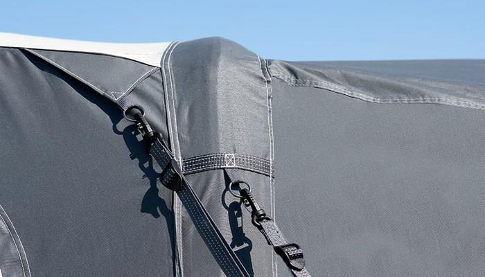 The support poles and advanced air system of the Isabella Ventura Trinus 400 Air Awning make it very stable and reliable