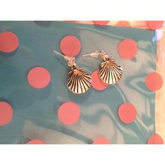 shell stud style earrings great christmas/ birthday caravan gift