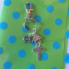 Camping keyring with top dog kennel and dog bowl Key ring great christmas/ birthday gift