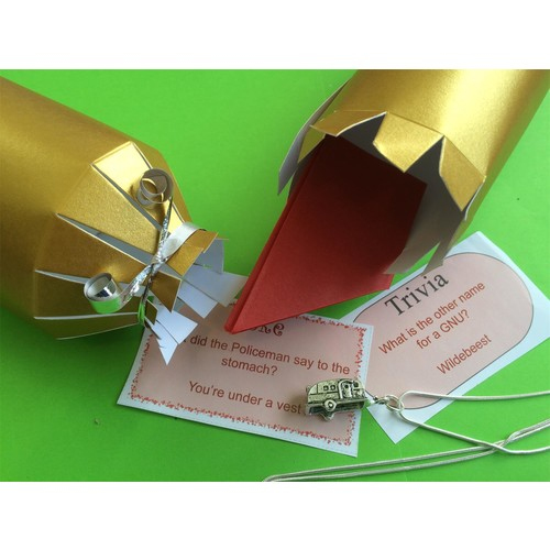 Make your own crackers set of 10 gold deluxe crackers with charms make your own crackers set of 10 gold deluxe crackers with charms golf clubs solutioingenieria Images
