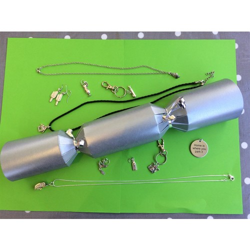 Make your own crackers set of 10 silver deluxe crackers with make your own crackers set of 10 silver deluxe crackers with charms golf clubs solutioingenieria Images