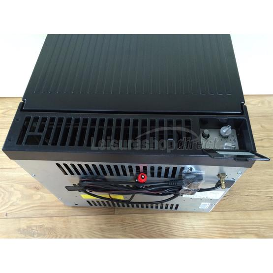 Dometic ACX40 Combicool  EGP 3 -way portable fridge image 8