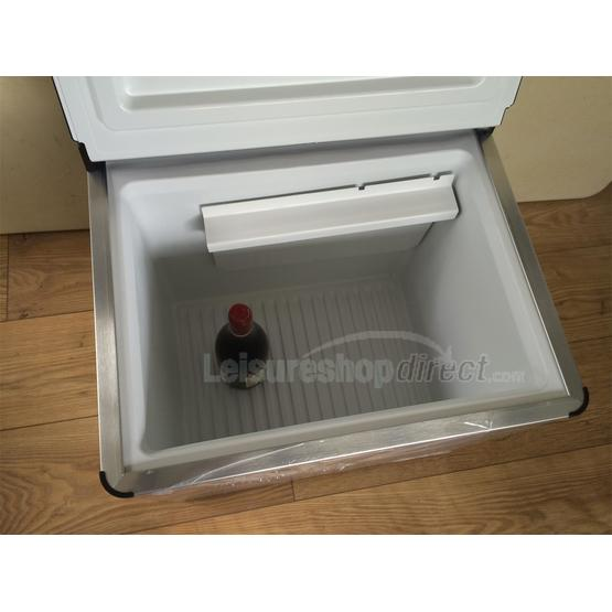 Dometic ACX40 Combicool  EGP 3 -way portable fridge image 13