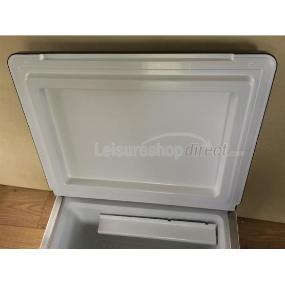 Dometic ACX40 Combicool  EGP 3 -way portable fridge (Formerly RC200) image 16