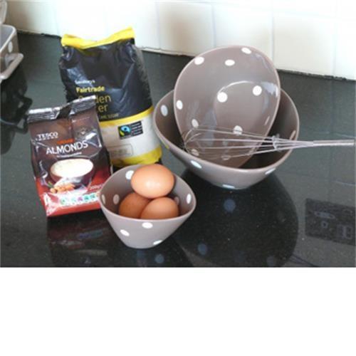 Set Of 3 Serving Bowls- Brown With Polka Dots image 1