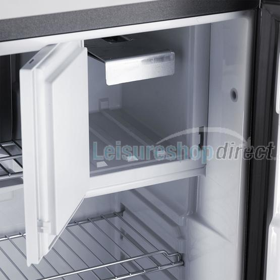 Dometic RM5380 Fridge image 3