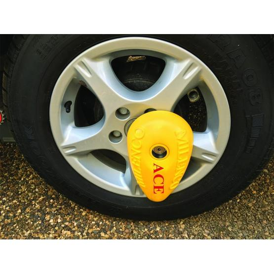 Milenco Ace Wheel Lock image 1
